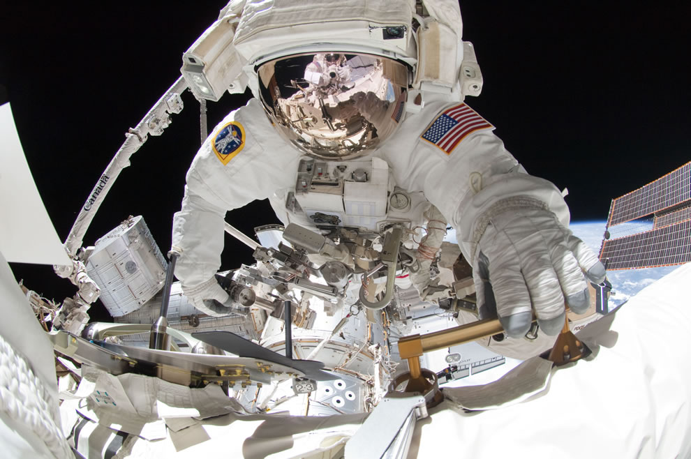NASA-astronaut-Greg-Chamitoff-during-the-missions-fourth-session-of-extravehicular-activity-EVA-as-construction-and-maintenance-continue-on-the-International-Space-Station